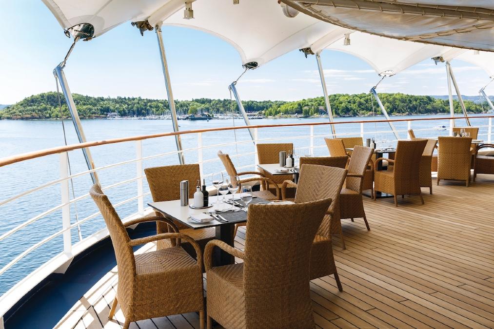 outside-dining-cruise-coronavirus
