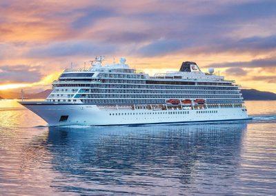 Viking_ocean_ship_Cruise_Blondes