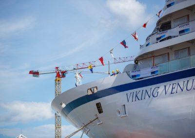 Viking_Venus_Cruise_Blondes