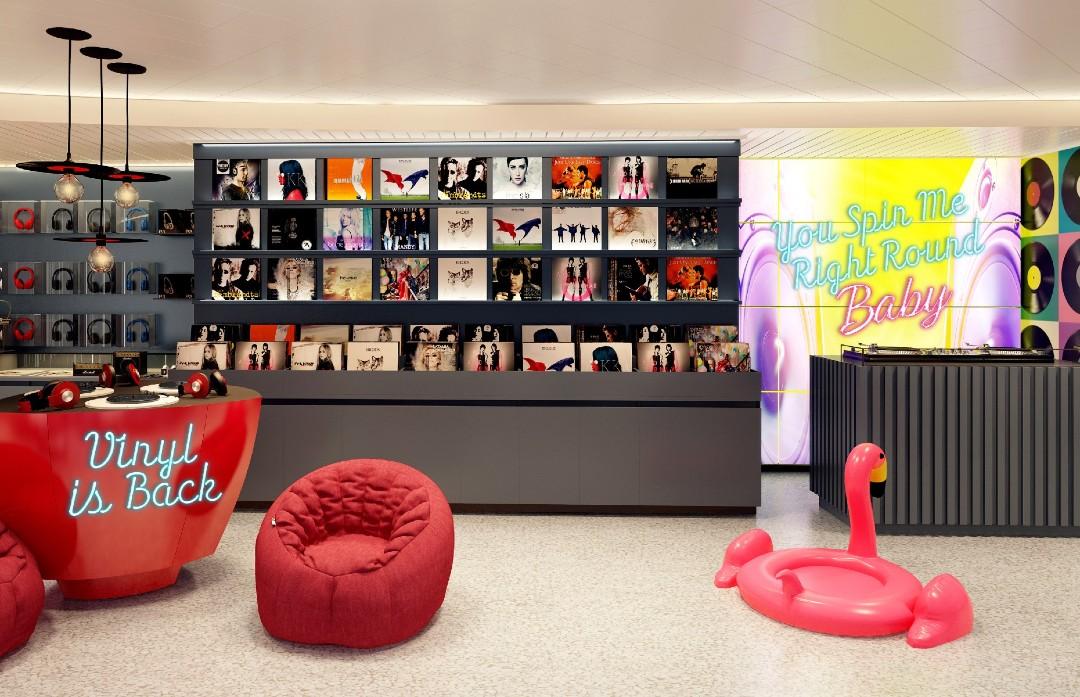Scarlet Lady interior design