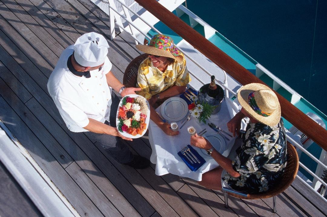 Ambassador-cruise-line-dining