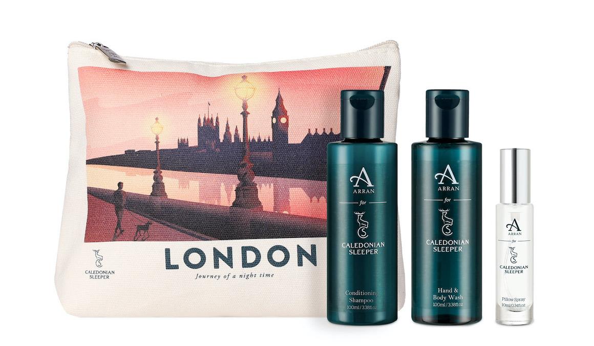 Cal_sleeper_wash_bag_london_cruise_blondes