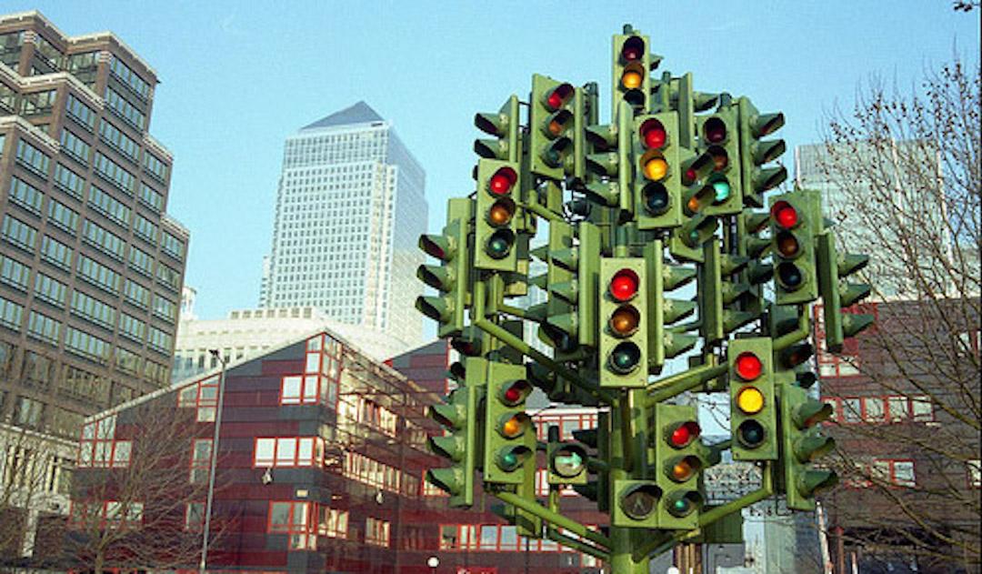 Traffic_light_tree_Canary_Whard_London_Cruise_Blondes